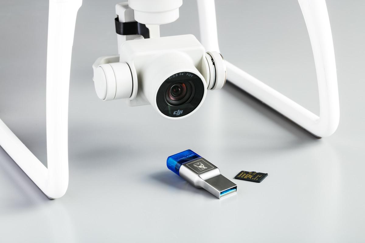 Egy újtechnológiás microSD kártyaolvasó, ami elfér a pénztárcádban - www.itfroccs.hu