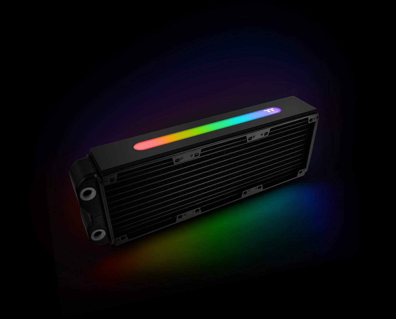 Az új Pacific LED család tagjaként, most a Pacific RL360 Plus RGB radiátor is bemutatkozik