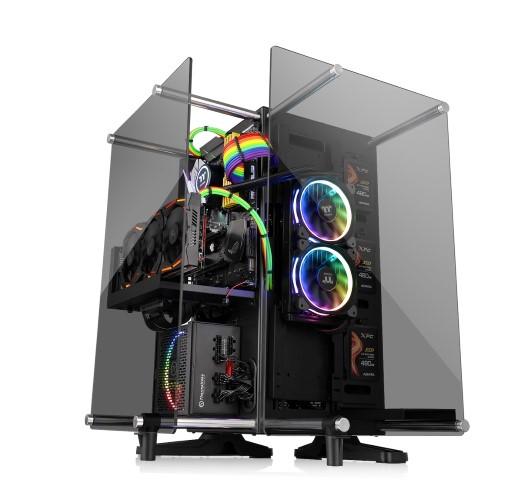 A Thermaltake bemutatja a Core P90 edzett üvegű oldallapokkal szerelt házát