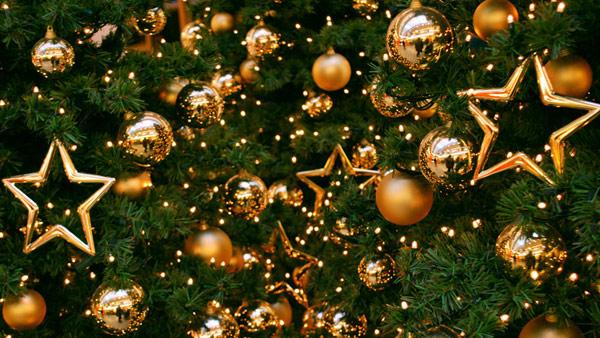 Mindenkinek kívánunk Áldott, Békés Ünnepeket és főképp Boldog Új Évet, boldogságot és jó egészséget!