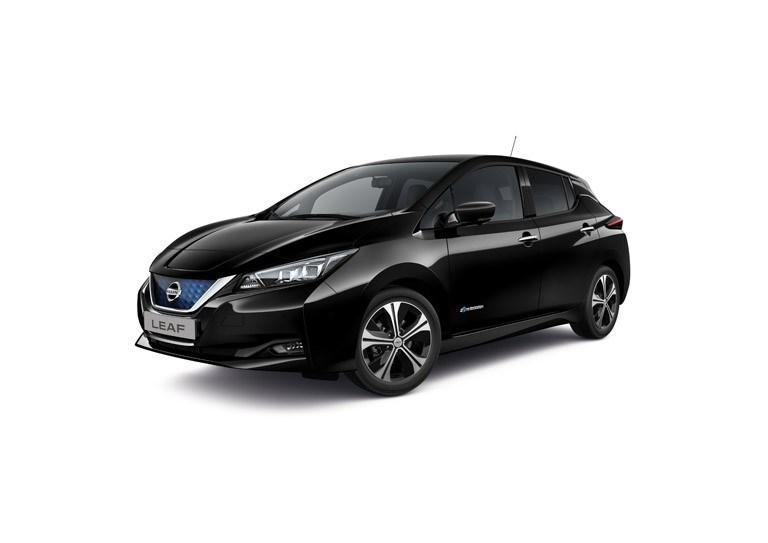 Az elektromos közlekedés térnyerése: 10 000 európai előrendelés érkezett az új Nissan LEAF-re két hónap alatt